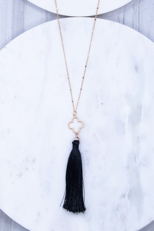 Pendant Gold Black Necklace- B35