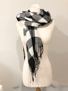 Buffalo White Scarf- T222