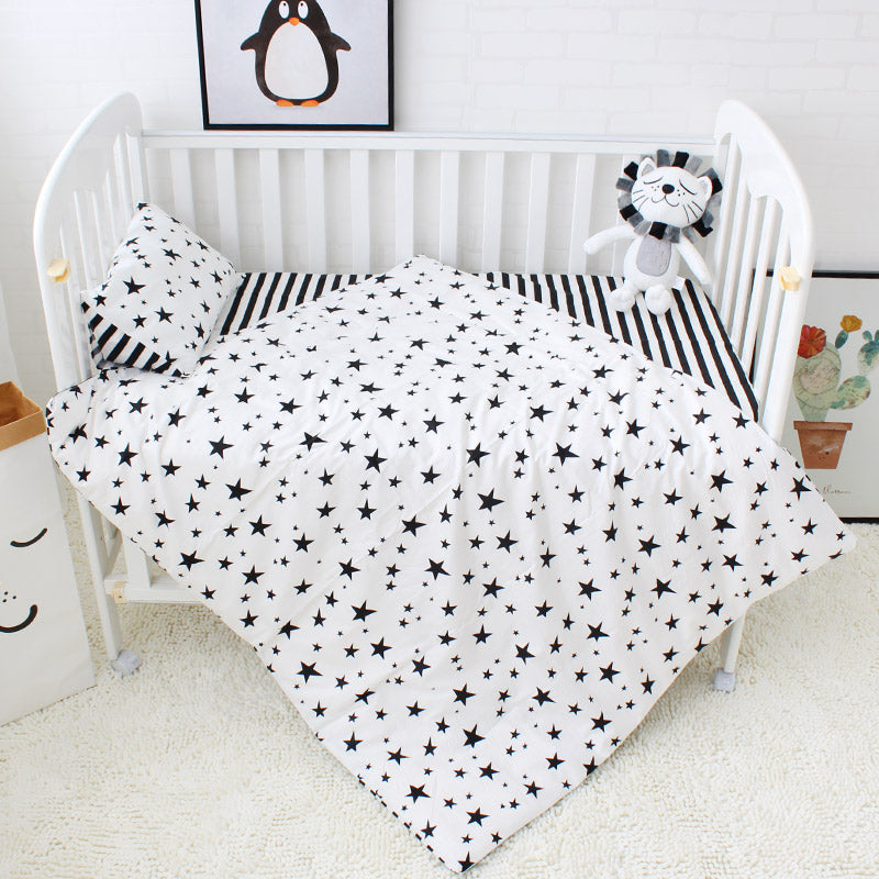 Baby 5pcs cot bedding  -Monochrome stars and stripes (B-92)