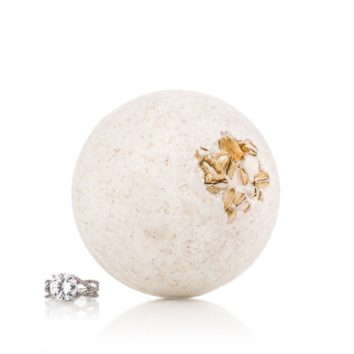 Oatmeal & Honey Ring Bath Bomb with Luxury Ring Surprise