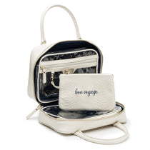 Beauty on the Go: Voyager 4Pcs Travel Set