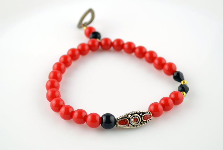 Red & Black Handmade Indonesian Glass Bead Heart Charm Bracelet