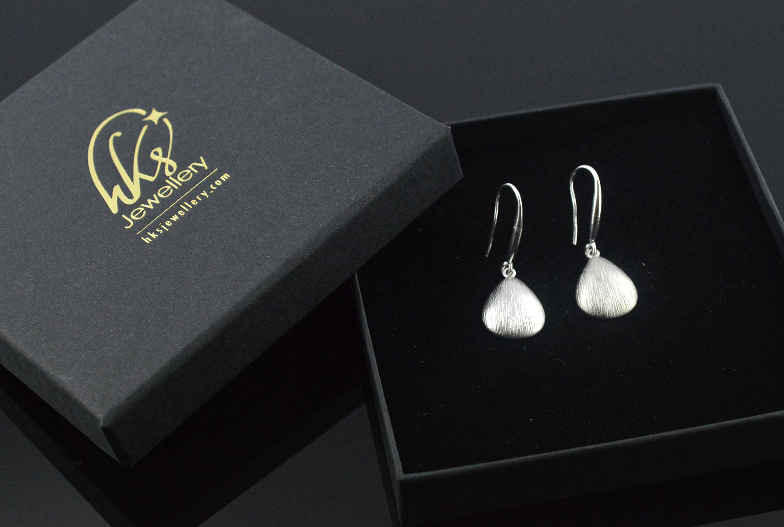 Shell Pendant Silver Earrings