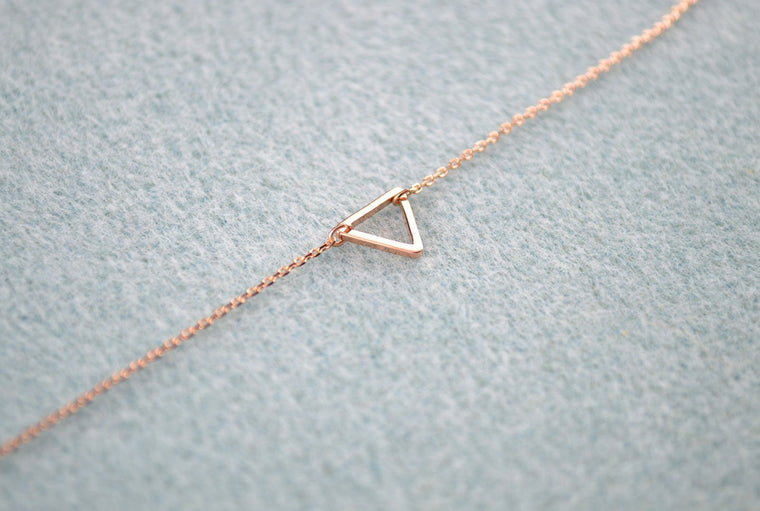 Rose Gold Triangle Bracelet, Minimalist Jewellery, Dainty Triangle Bracelet, Rose Gold Jewellery for Women, Rose Gold Jewelry for Women