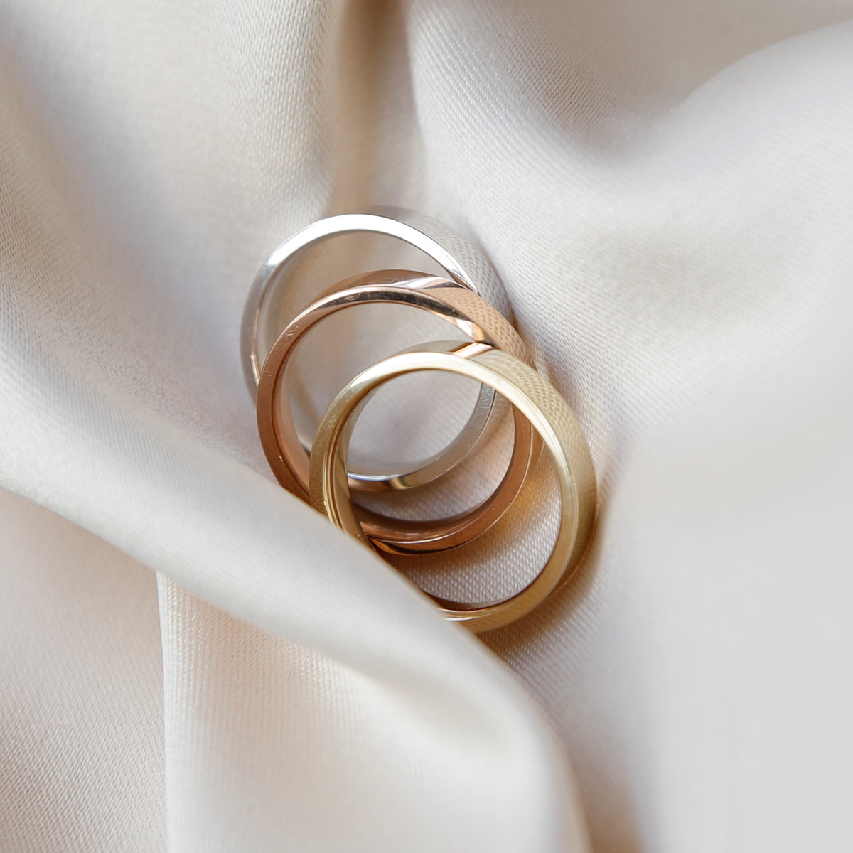mens gold wedding bands