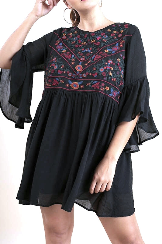 Plus Size Phoebe embroidered top (size XL & 1XL)
