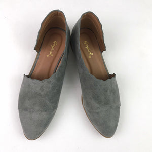 Scallop Edge Cut-Out Flats (size 6)