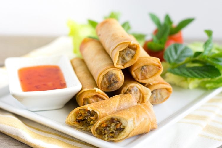 Load image into Gallery viewer, Chicken Spring Rolls