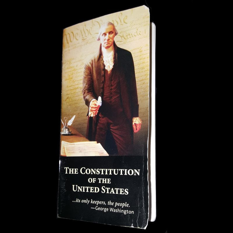 Scratch and Dent - Pocket Constitution (English)