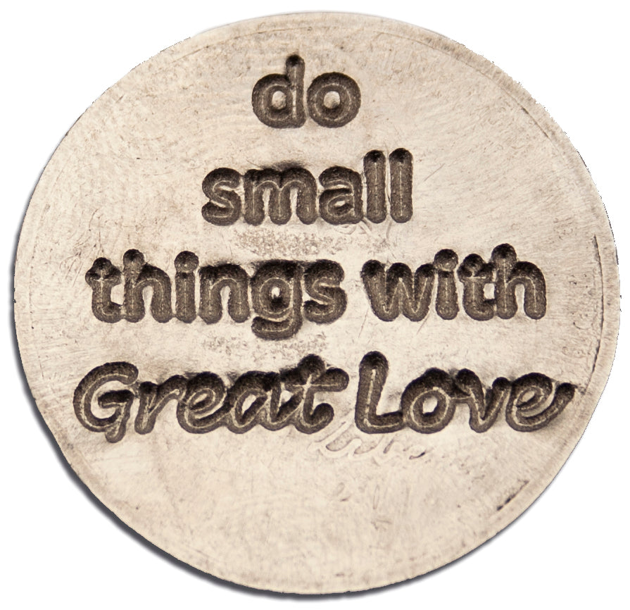 Mariamor Small Things Great Love Quarter Keychain