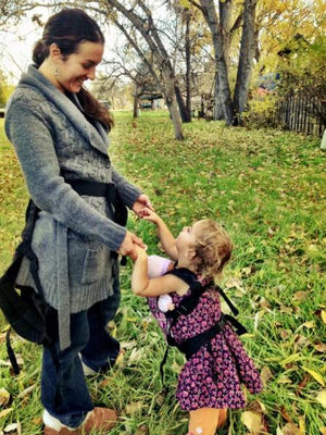 Toddlerwearing: A whole different kind of babywearing