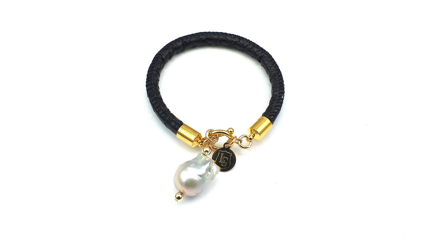 Leather with Pearl - Black Single Strand