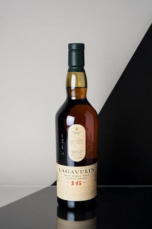 Lagavulin 16 Years Old Single Malt Whisky