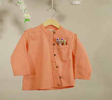 'The Fuji Monk Shirt' in Peach