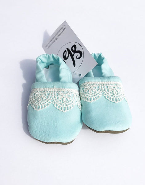 Sarah Beth Co. Everyday Moccasins: Size 2T (Multiple Colors)