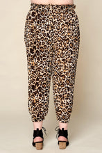 Ruffled Waistband Leopard Printed Pants