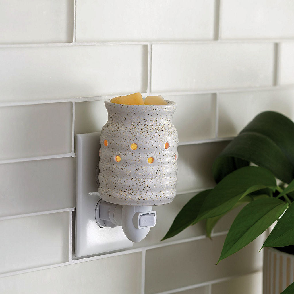 Farmhouse pluggable wax warmer