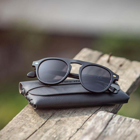 Lookscart Black Funky Bridge Design Unisex Sunglass