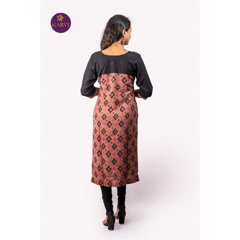 KARVI Peach & Black Ethnic Printed Front buttoned Kurti for Women