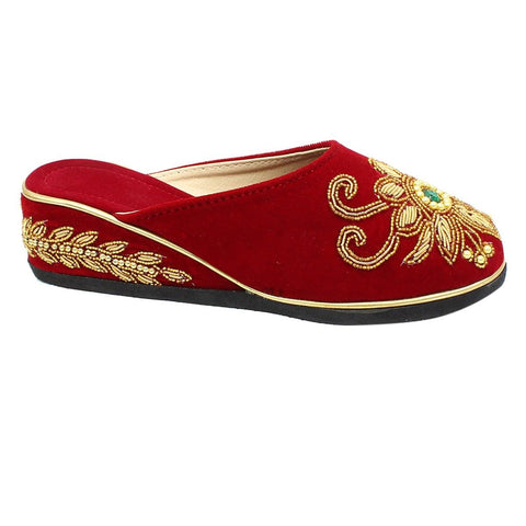 Red Embroidered Heel Closed Shoes For Women St-111G