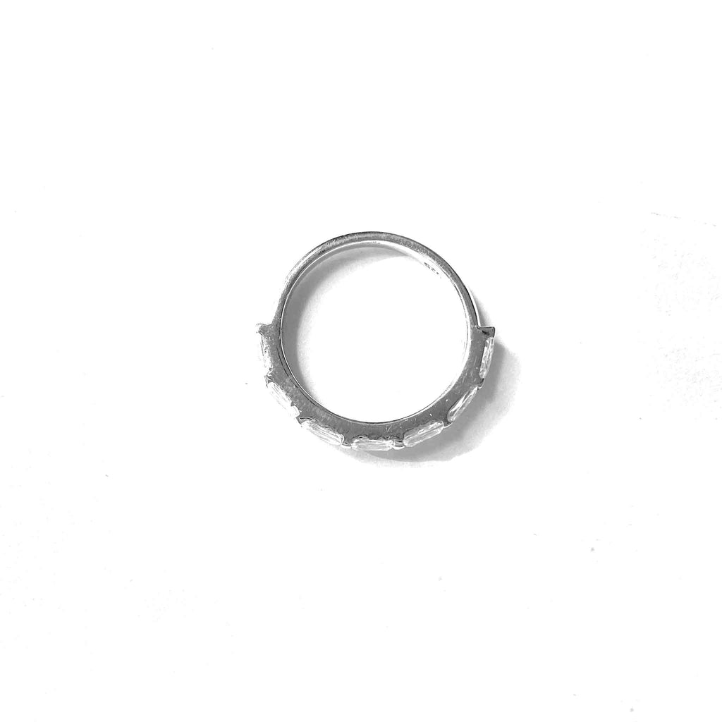 Classic Minimal Band Ring