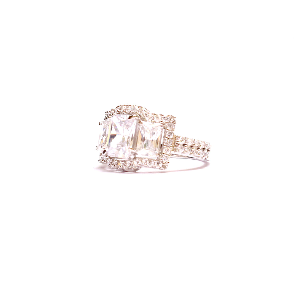 Frisky Triplet Zirconia 925 Silver Ring is for the women who love to stand-out