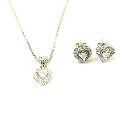Gusto heart pendant and earring set is so sleek you would never want to take it off.