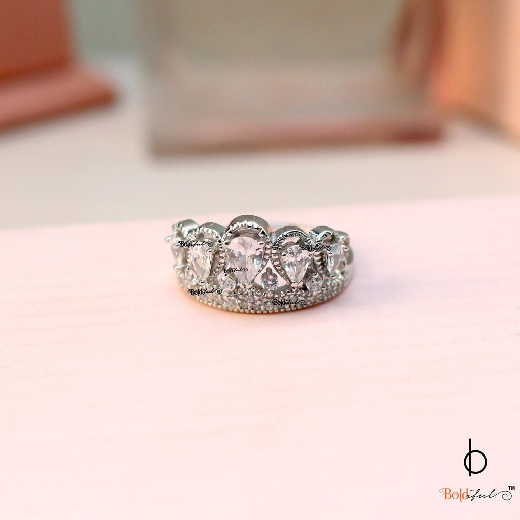 Queen Sterling Silver Ring - Boldiful