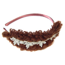 Ladies fashion head band w/yarn and crochet detail