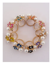 Pearlescent flower adjustable ring