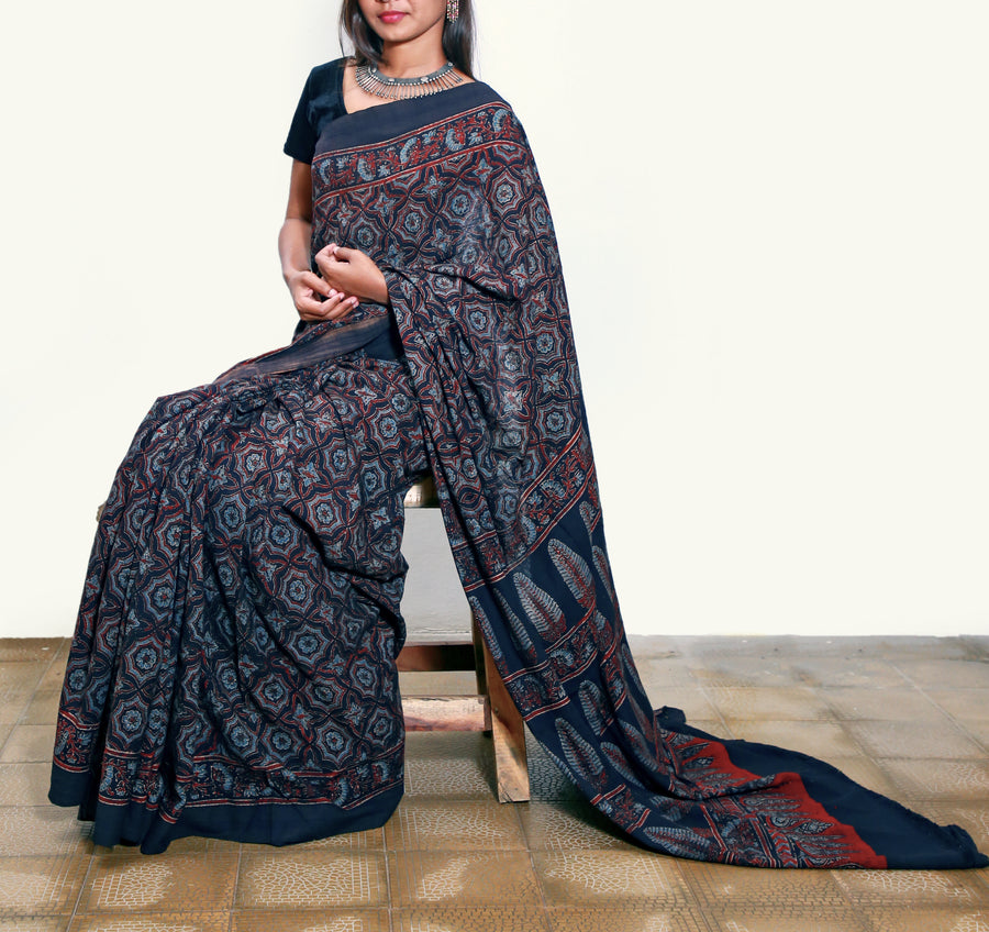 AJRAKH SAREE : BLACK : LIGHT INDIGO : ALIZARIN RED