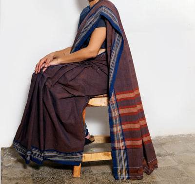 CROSS COLOUR SAREE : KATHA BROWN : DARK INDIGO
