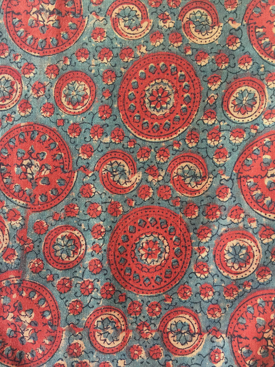 AJRAKH FABRIC : LIGHT INDIGO : ALIZARIN RED