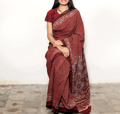 AJRAKH SAREE : ALIZARIN RED : LIGHT INDIGO