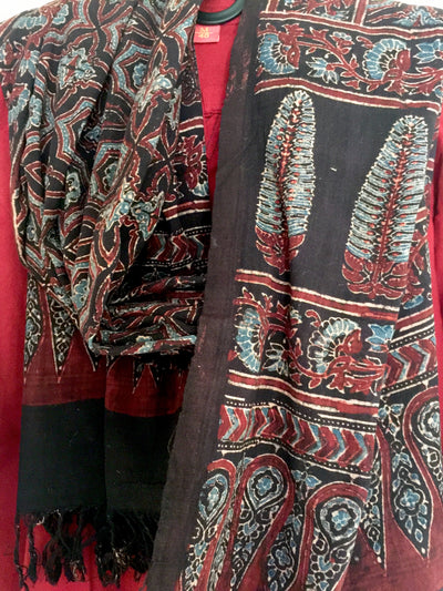 AJRAKH DUPATTA : BLACK : LIGHT INDIGO : ALIZARIN RED