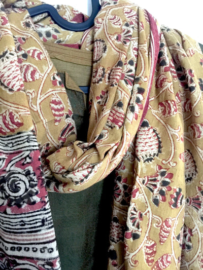 KALAMKARI DUPATTA : ANAR YELLOW : ALIZARIN RED : BLACK