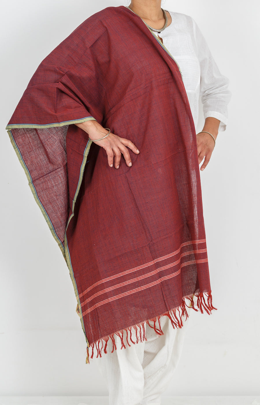 Malkha Natural Dyed Handlooms -CROSS COLOUR STOLE : ALIZARIN RED : DARK INDIGO