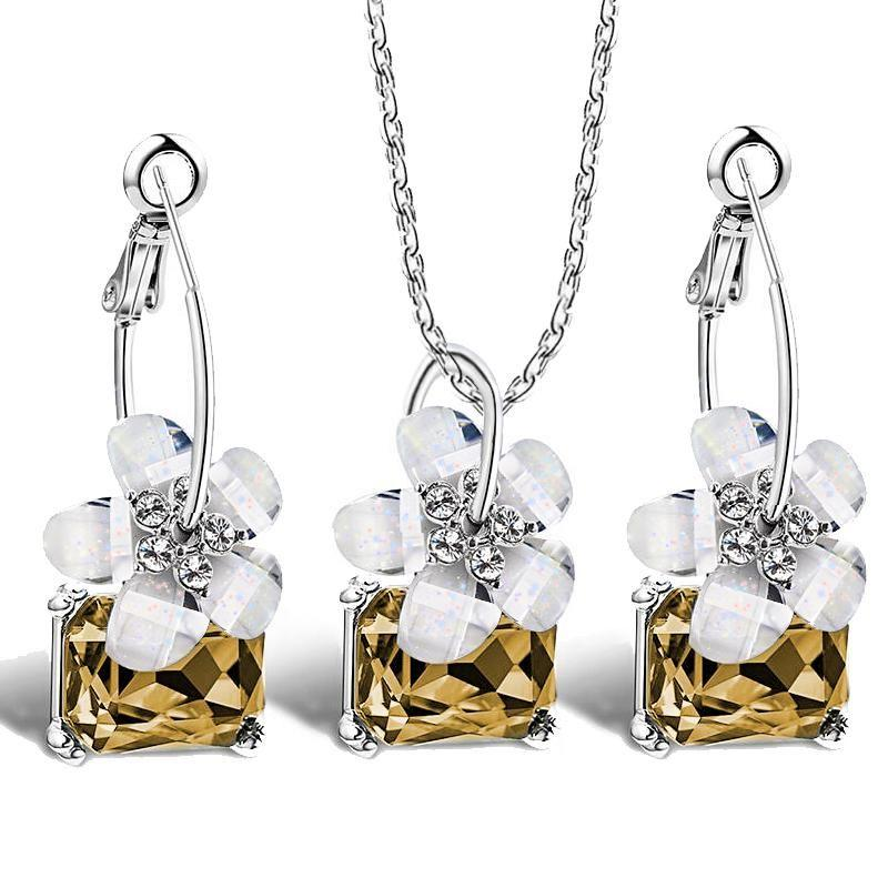 Flower Crystal Necklace