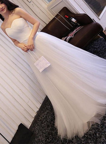products/wSIMPLE_WHITE_GOWN.jpg