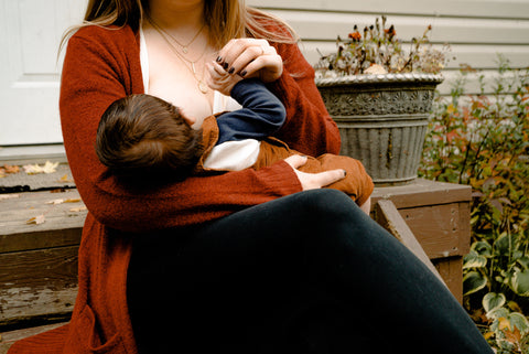 photo-of-woman-breastfeeding-her-child-3074935_large