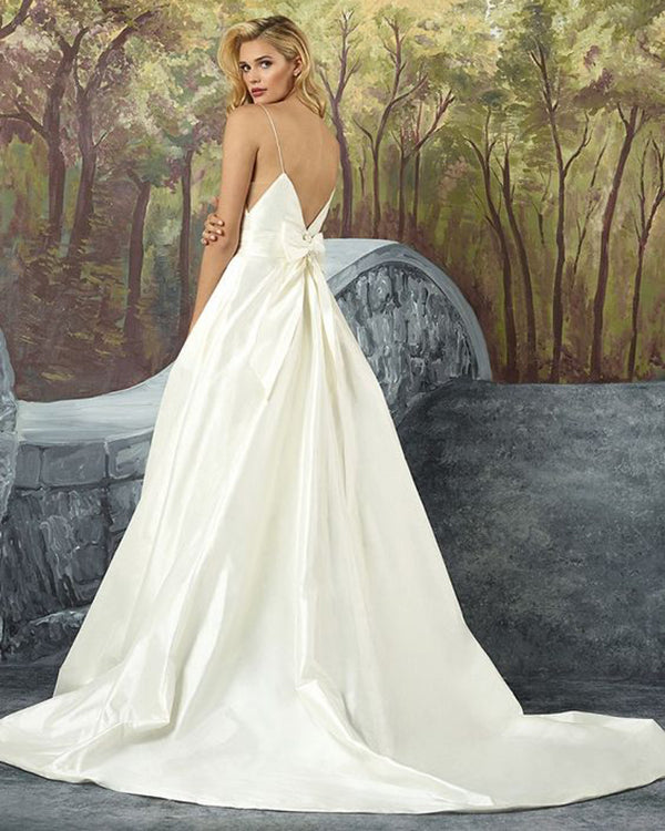 7d3ed0f7e156 y Spaghetti Straps Satin Wedding Dresses with Bow 2019 A-line Wedding Gowns  Stylish
