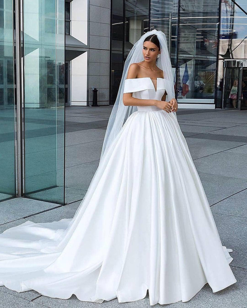 Elegant Strapless Wedding Dresses 2019 New Fashion Satin Bridal Dress Ball Gowns Chapel Train: Elegant Strapless Wedding Dresses Puffy At Websimilar.org