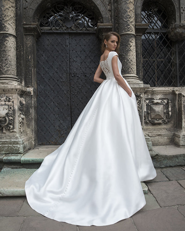 New 2019 Satin Wedding Dresses With Pockets Modest Cap Sleeve A Line Bridal Gowns