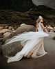 2020 Summer Beach Wedding Dresses Halter Tulle A-line Bridal Gowns with Lace Appliques