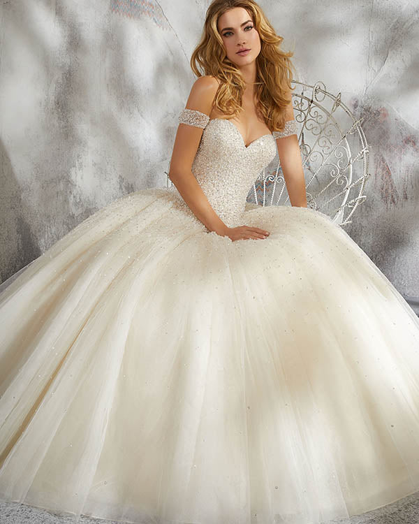 Princess 2018 Tulle Wedding Dresses Cap Sleeves Beaded Sparkly Ball Gown  Bridal Wedding Gowns 2c6531b0407e