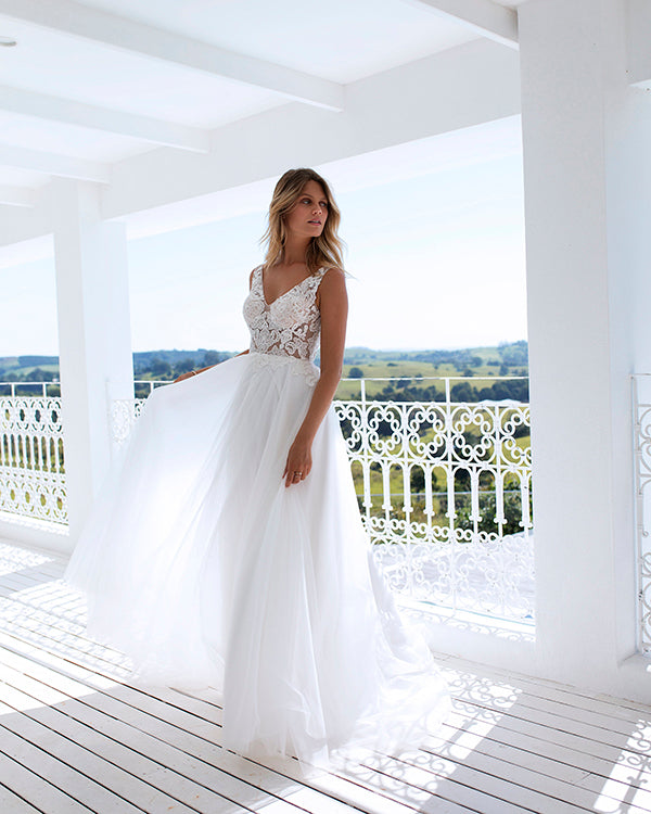 ce6a8bdb4d1 wedding-dresses-beach lace-wedding-dresses tulle-wedding-dresses wedding