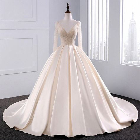 2018 Fashion Simple Beige Wedding Dresses Full Sleeve Modest Lace Satin Bridal  Gowns for Wedding 7c7145b4961f