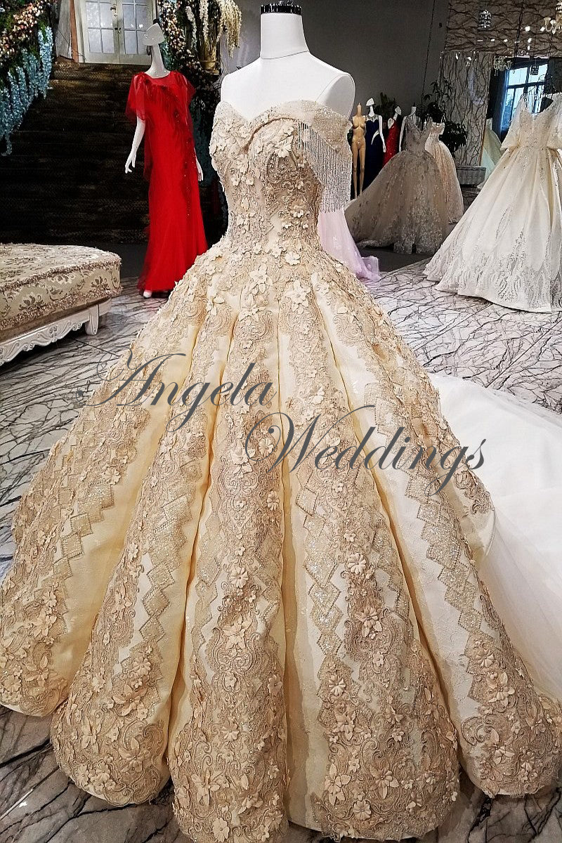 Gold Lace Ball Gown Wedding Dresses With Appliques Beaded