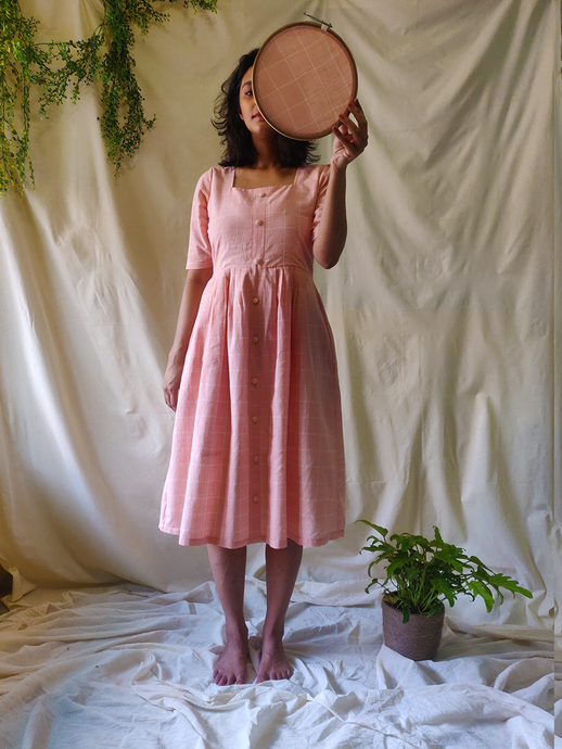 Peach pleated dress - WhySoBlue