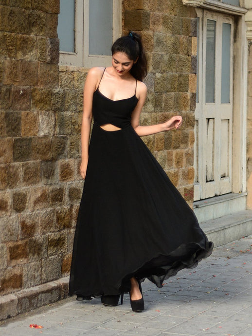 Vintage Black Gown - WhySoBlue